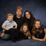 casual-family-portrait-dark