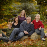 fall-portrait-of-family-in-